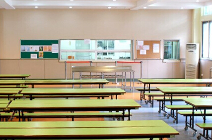 上海耀华国际学校食堂环境