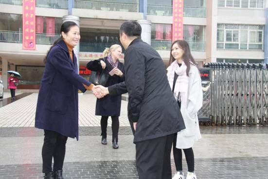 北京海嘉国际双语学校及贵阳市高新区领导到我校参观