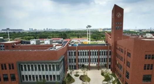 上海德威外籍人员子女学校(浦东)招生要求: