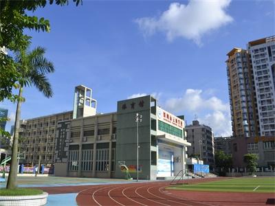 深圳云顶学校国际部国际高中入学要求及入学考试科目